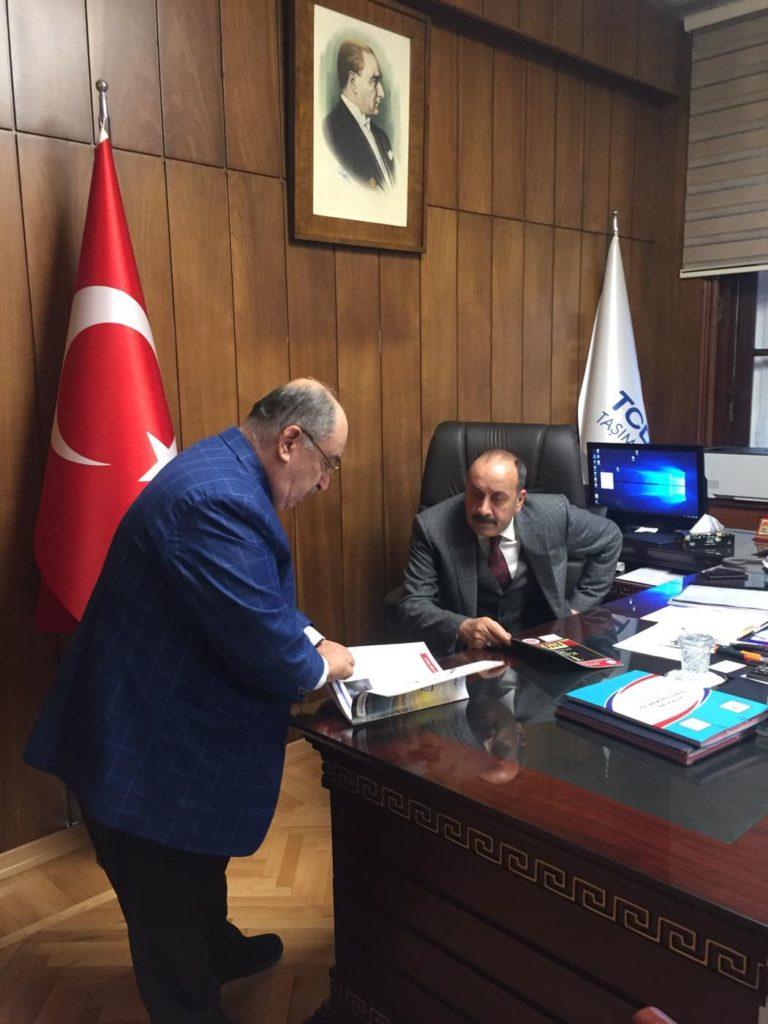 Kamu der olarak TCDD Taşımacılık AŞ Genel Mūdūrü Syn. Kamuran Yazıcı'yı makamında ziyaret ettik.