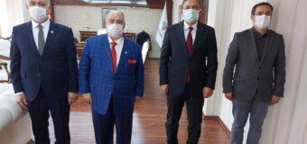 Genel başkanımız Cevdet Baştuğ Batman Valisi ve Belediye Başkanı V. Hulusi Şahin Bey'i ziyaret etti.
